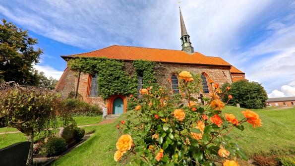 Eiderstedt-Reformationsjubilaeum-Witzworter-Kirche Foto HJM